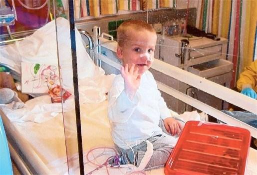 Familie van tweejarige zieke Ryan doet oproep naar postkaartjes