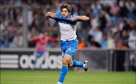 Juninho verlaat Lyon na acht jaar en verkast naar Qatar