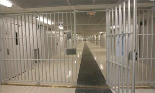 Tot 300 gevangenen vroeger vrij door warme zomer