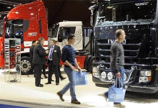 Europese vrachtwagenverkoop daalt voor dertiende maand op rij