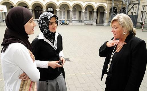 Hoofddoekendebat op Atheneum leidt tot verhitte gemoederen