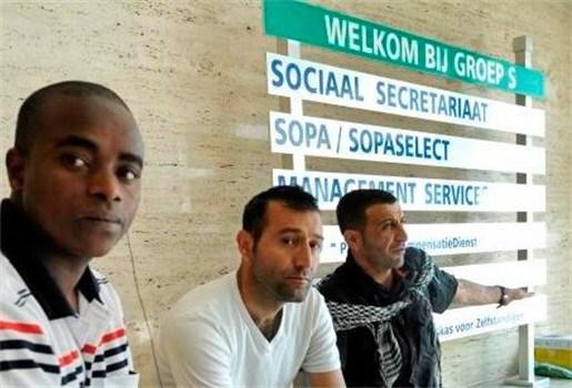 Sans-papiers blijven gebouw Groep S bezetten