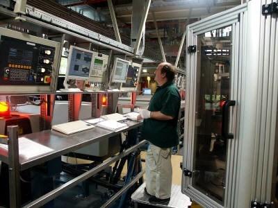 Philips boekt lichte winst in tweede kwartaal