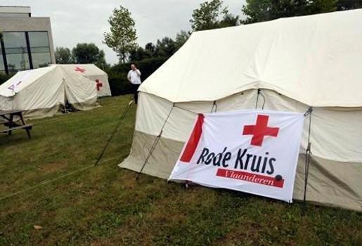 Rode Kruis breekt tentenkamp asielzoekers af