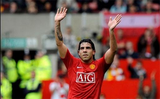 Carlos Tevez verhuist van United naar City