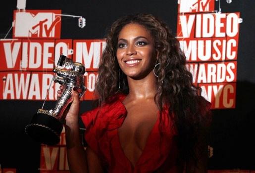 Drie Video Music Awards voor Beyoncé en Lady Gaga (fotoalbum)