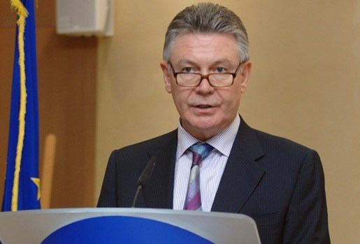 Benoeming eurocommissaris Karel De Gucht goedgekeurd