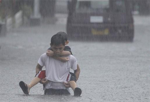 Minstens vijftig doden na zware overstromingen in Manilla
