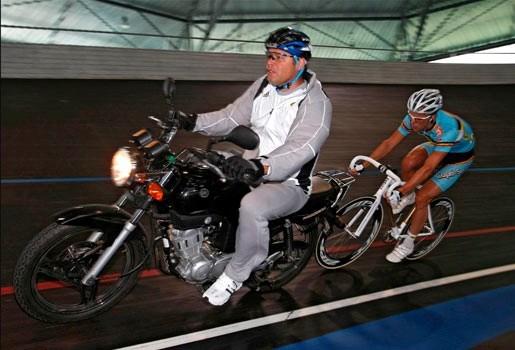 Kenny De Ketele kroont zich tot Europees kampioen derny