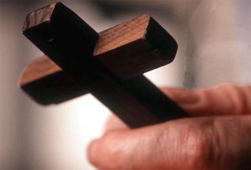 Schooldirectrice heeft geen kruisbeeld in kantoor: 500 euro boete