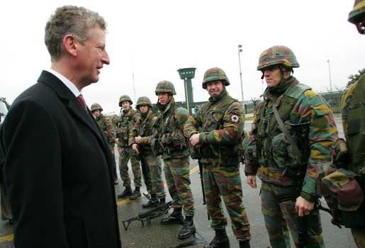 Vrijwillige legerdienst goedgekeurd door Kamer