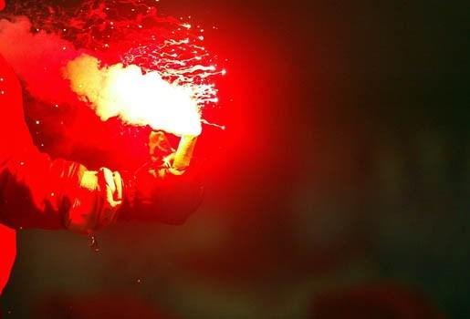 Vuurwerk knalt in jongenshand en politie vindt hand niet meer terug