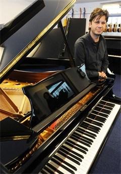 Muziekhandel verhuurt piano van 80.000 euro