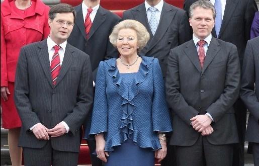 Beatrix begint met consultatieronde na val regering