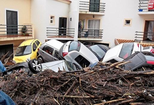 Bekijk hier de foto's van de overstromingen in Madeira