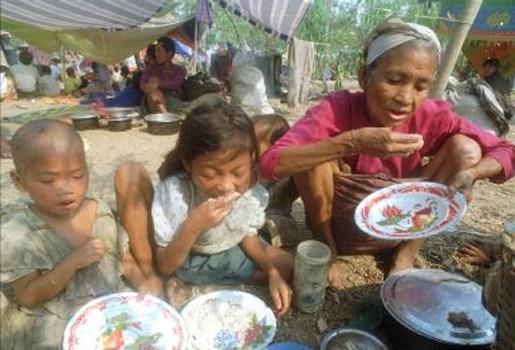 Thailand zet migranten voor het blok