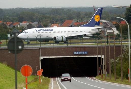 Stakende Lufthansa-piloten dinsdag terug aan het werk