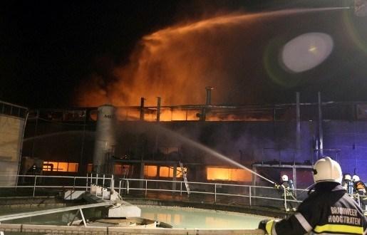 Zware brand bij aluminiumbedrijf in Meer