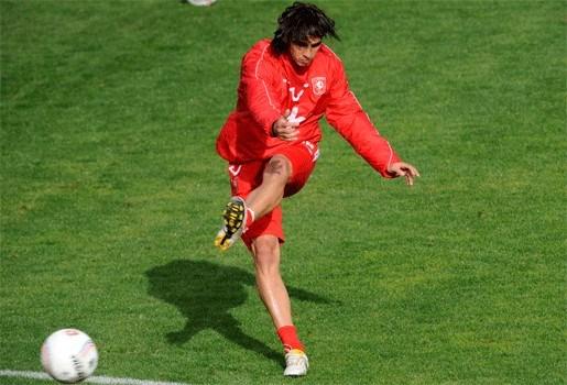 Bryan Ruiz (Twente) scoort drie keer in vier minuten