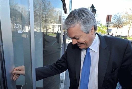 Reynders wil rol van koning niet inperken