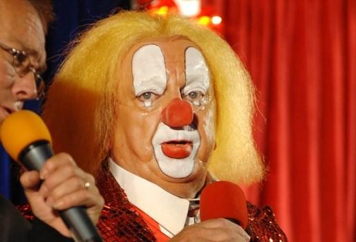 Afperser Bassie de clown veroordeeld