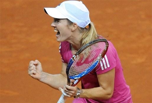 Justine Henin bereikt finale in Stuttgart