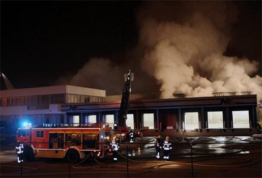 Uitslaande bedrijfsbrand in Temse