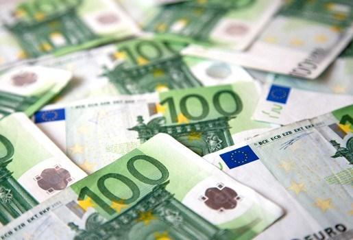 Euro glijdt verder weg,  Aziatische beurzen in de min