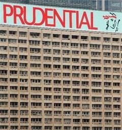 Prudential haalt aandelen op voor overname AIA