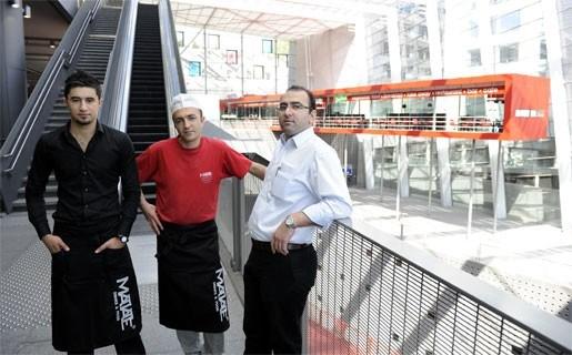 Zwevend restaurant in Centraal Station geopend