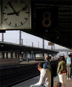 Treinbegeleiders Dendermonde en Gent staken dinsdag