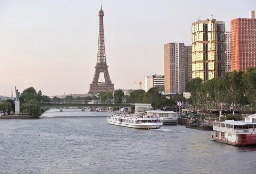 Twee doden bij schietpartij in Parijs