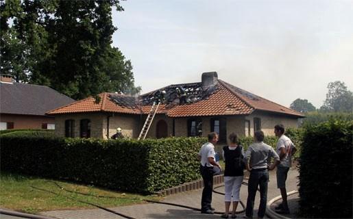 Brand verwoest dak van villa