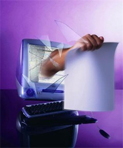 Gezochte internetoplichter opgepakt in Brussels cybercafé