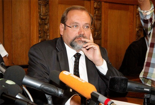 Burgemeester Duisburg stapt op na drama Love Parade