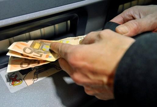 ING legt 60-plussers afhaallimiet van 1.000 euro op