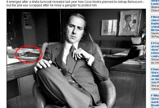 Foto ontdekt van jonge Silvio Berlusconi met pistool
