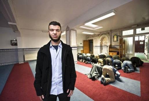 Eerste Antwerpse moskeegidsen studeren af
