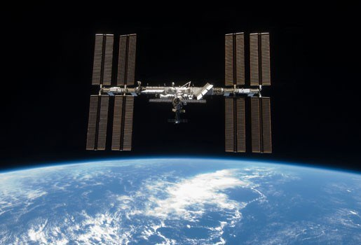 ISS als basiskamp? - Bemande passage langs maan?
