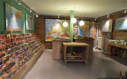 Nieuwe reisboekhandel in Nassaustraat