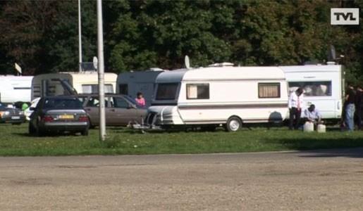 Zigeuners slaan hun kamp op in Heusden-Zolder