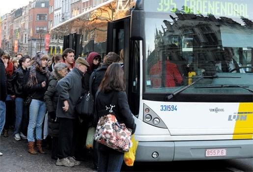 Trams en bussen De Lijn rijden minder stipt