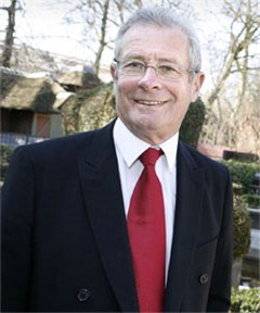 "Rudy Van Eysendeyk wordt ""vader van alle oud-studenten"""