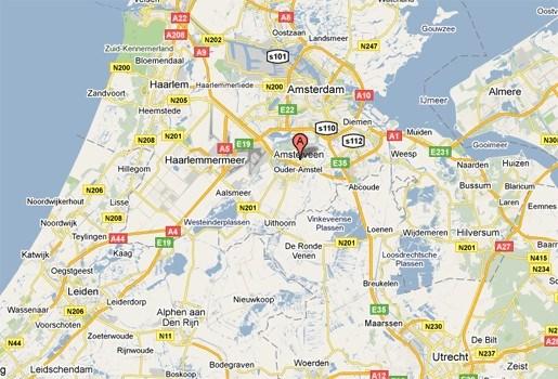 Nederlandse taxi rijdt over baby heen