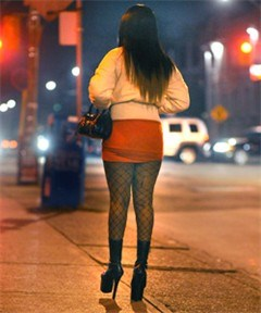 Spaanse prostituees moeten fluovestjes dragen