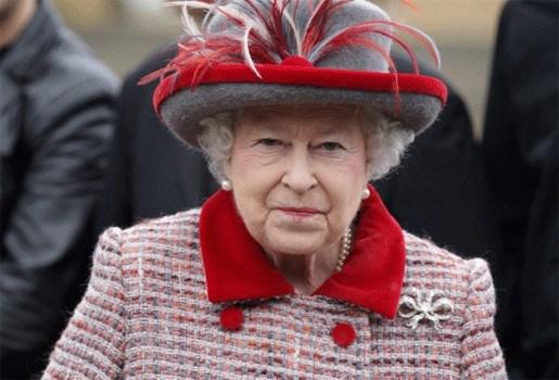 Britse Queen ontdekt Facebook