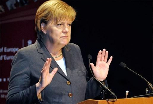 """Wilders haalt uit naar Merkel: """"Ze kopieert me"""""""