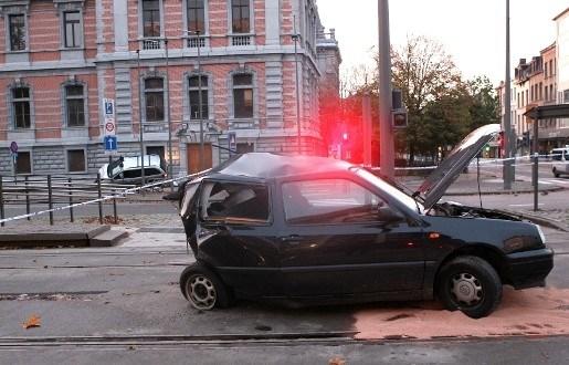 Chauffeur overleden na frontale botsing Frankrijklei