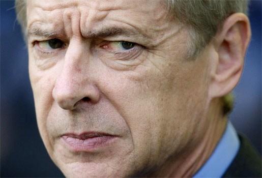 Wenger vindt vijfde arbiter nutteloze oplossing
