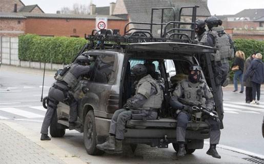 Illegaal koppel houdt kinderen tijdlang gegijzeld in Sint-Gillis-Waas